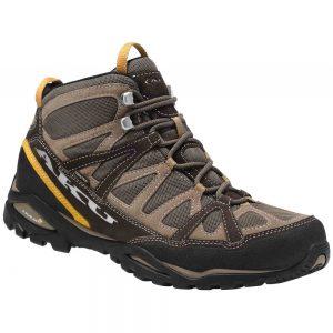 AKU ARRIBA MID II GTX (scarpa trekking alta impermeabile, si distingue per la sua comodità, è adatta ad un trekking più attivo e impegnativo)